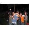 alle Kinder hängen an Philipp